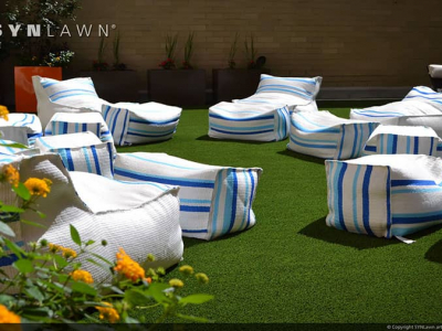 SYNLawn-artificial-grass-residential-outdoor-relaxation-patio-idea
