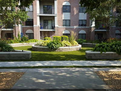 SYNLawn-artificial-grass-commercial-apartment-complex-common-area