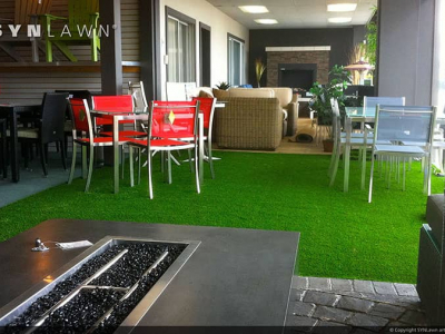 SYNLawn-artificial-grass-commercial-indoor-dining-area