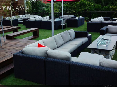 SYNLawn-artificial-grass-commercial-outdoor-dining-and-lounge-area